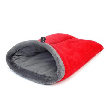 Wagworld Nookie Bag Fleece Pet Bed - Red